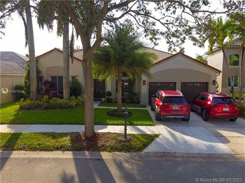 Photo of 854 Heritage Dr, Weston, FL 33326 (MLS # A11078338)