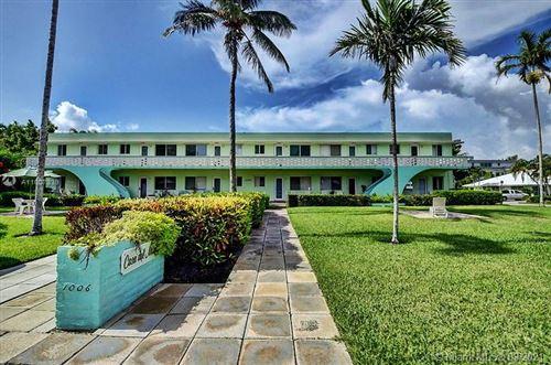 Photo of 1006 Casuarina Rd #9, Delray Beach, FL 33483 (MLS # A11007339)