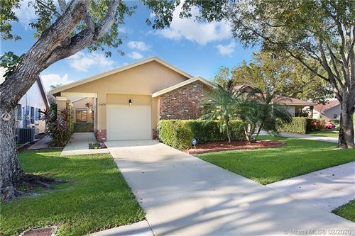 Photo of Listing MLS a10822340 in 2489 Dawn Tree Ter Coconut Creek FL 33063