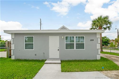 Photo of Listing MLS a10890341 in 1259 W 25th St Riviera Beach FL 33404