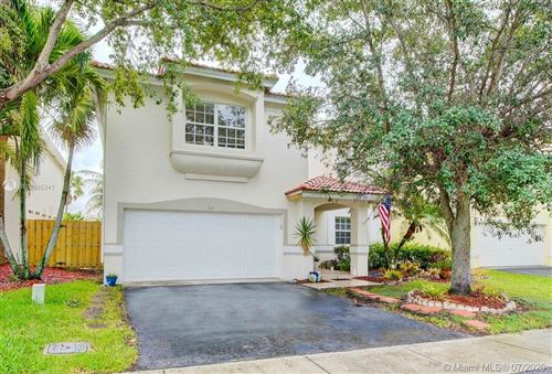 Photo of Listing MLS a10895341 in 103 Gables Blvd Weston FL 33326