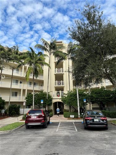 Photo of 3600 Oaks Clubhouse Dr #506, Pompano Beach, FL 33069 (MLS # A10961341)
