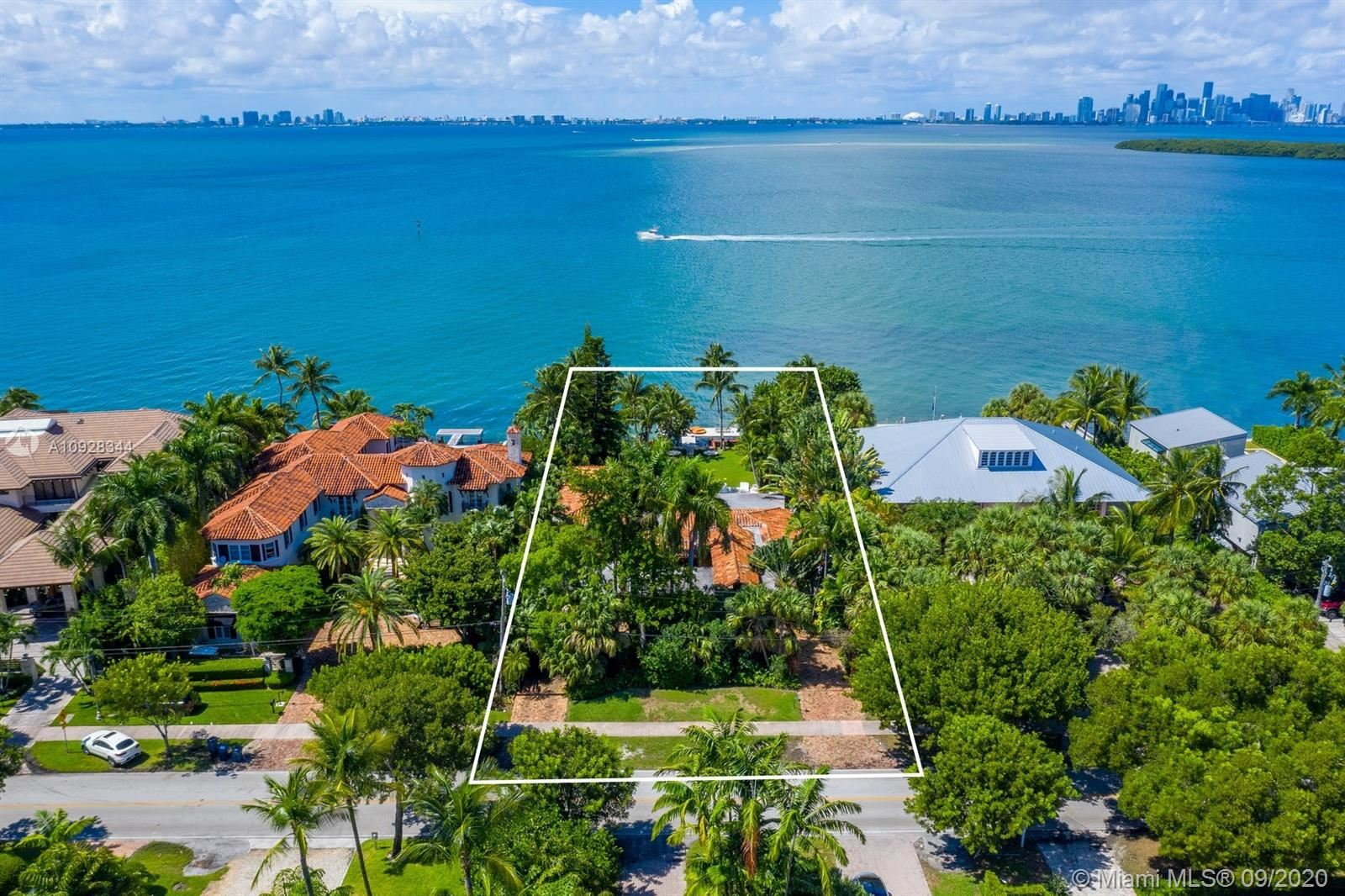 Photo of 290 Harbor Dr, Key Biscayne, FL 33149 (MLS # A10928344)