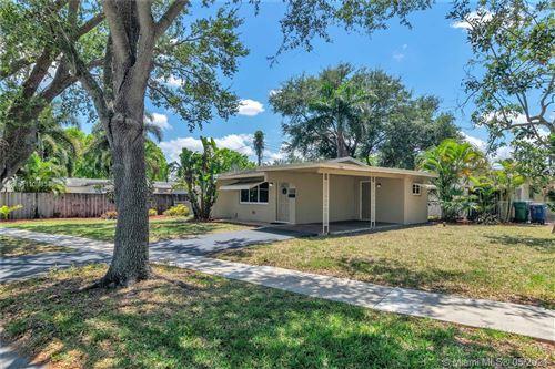Photo of 9400 SW 51st St, Cooper City, FL 33328 (MLS # A11038345)