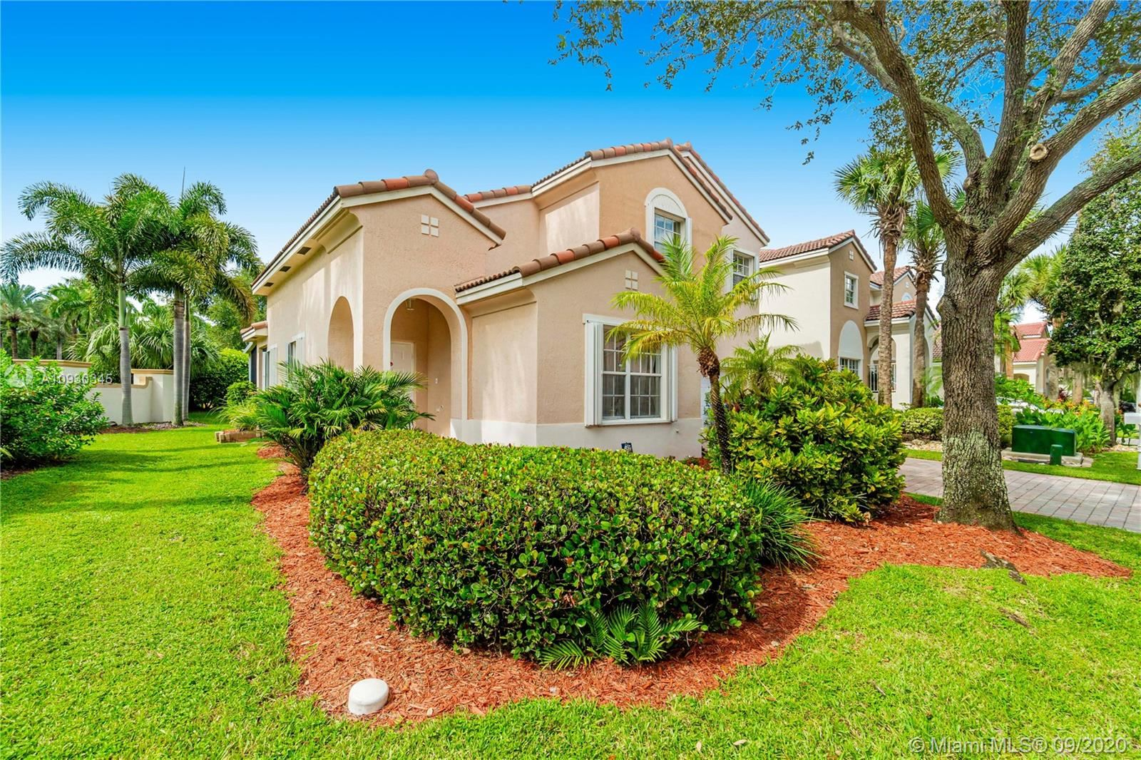 Photo of 7515 NW 19th Dr, Pembroke Pines, FL 33024 (MLS # A10930345)