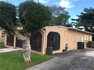 Foto de inmueble con direccion 5912 SW 63rd St South Miami FL 33143 con MLS A10683346