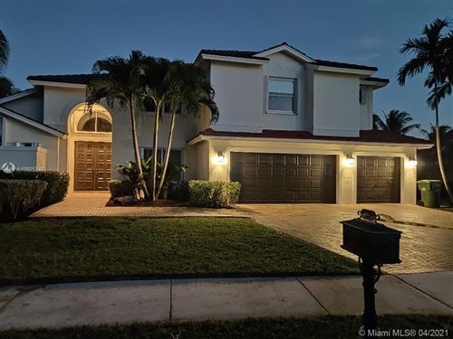 Photo of Listing MLS a10805346 in 3259 Somerset Weston FL 33332