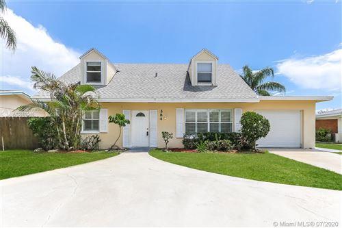 Photo of 584 Riverside Dr, Palm Beach Gardens, FL 33410 (MLS # A10889346)