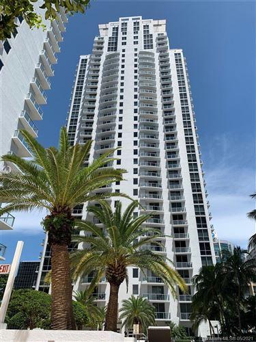 Photo of Miami, FL 33131 (MLS # A11003347)