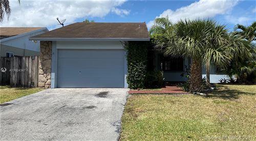 Photo of 1335 N Fieldlark Ln, Homestead, FL 33035 (MLS # A11024347)