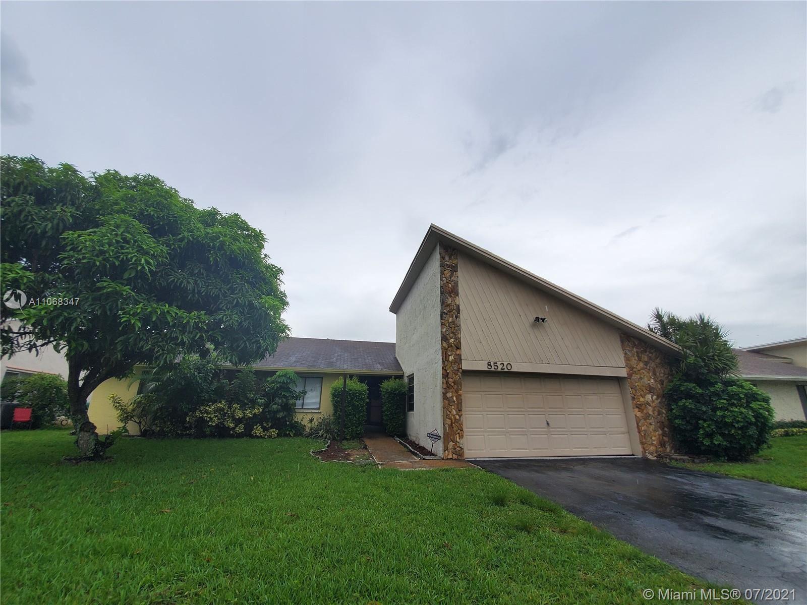 8520 NW 54th St, Lauderhill, FL 33351 - #: A11068347