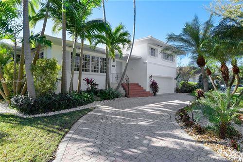 Foto de inmueble con direccion 1598 NE 104th St Miami Shores FL 33138 con MLS A10802349