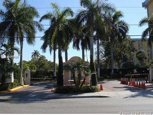 Photo of 4550 NW 9th St #605E, Miami, FL 33126 (MLS # A10871351)
