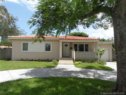 Photo of 900 Wren Ave, Miami Springs, FL 33166 (MLS # A10892351)