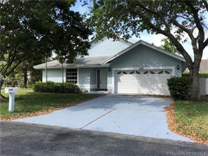 Photo of 510 NW 206th Ave, Pembroke Pines, FL 33029 (MLS # A10638352)