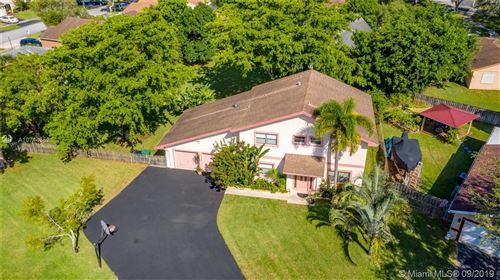 Photo of Listing MLS a10744352 in 11523 SW 53rd Pl Cooper City FL 33330