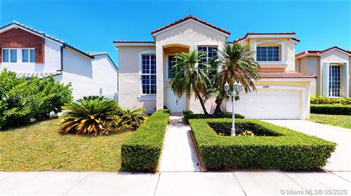 Photo of Listing MLS a10860352 in 15487 SW 96th Ter Miami FL 33196