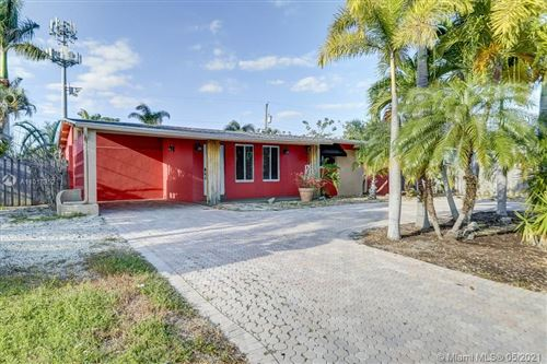 Photo of 819 NW 26th Street, Wilton Manors, FL 33311 (MLS # A11018352)