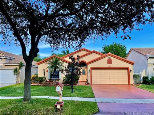 Photo of 2811 Cayenne Ave, Cooper City, FL 33026 (MLS # A11078352)