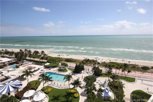 Photo of Listing MLS a10727353 in 5151 COLLINS AV #1527 Miami Beach FL 33140