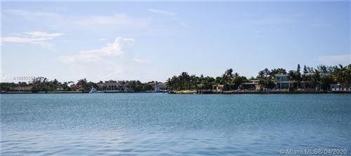 Foto de inmueble con direccion 965 Stillwater Dr NE Stillwater Dr Miami Beach FL 33141 con MLS A10850353