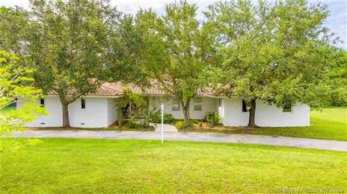 Photo of 6795 SW 135th St, Pinecrest, FL 33156 (MLS # A10880354)