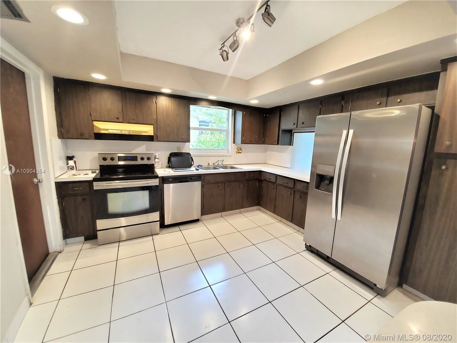 8751 NW 17th Ct, Pembroke Pines, FL 33024 - #: A10904354