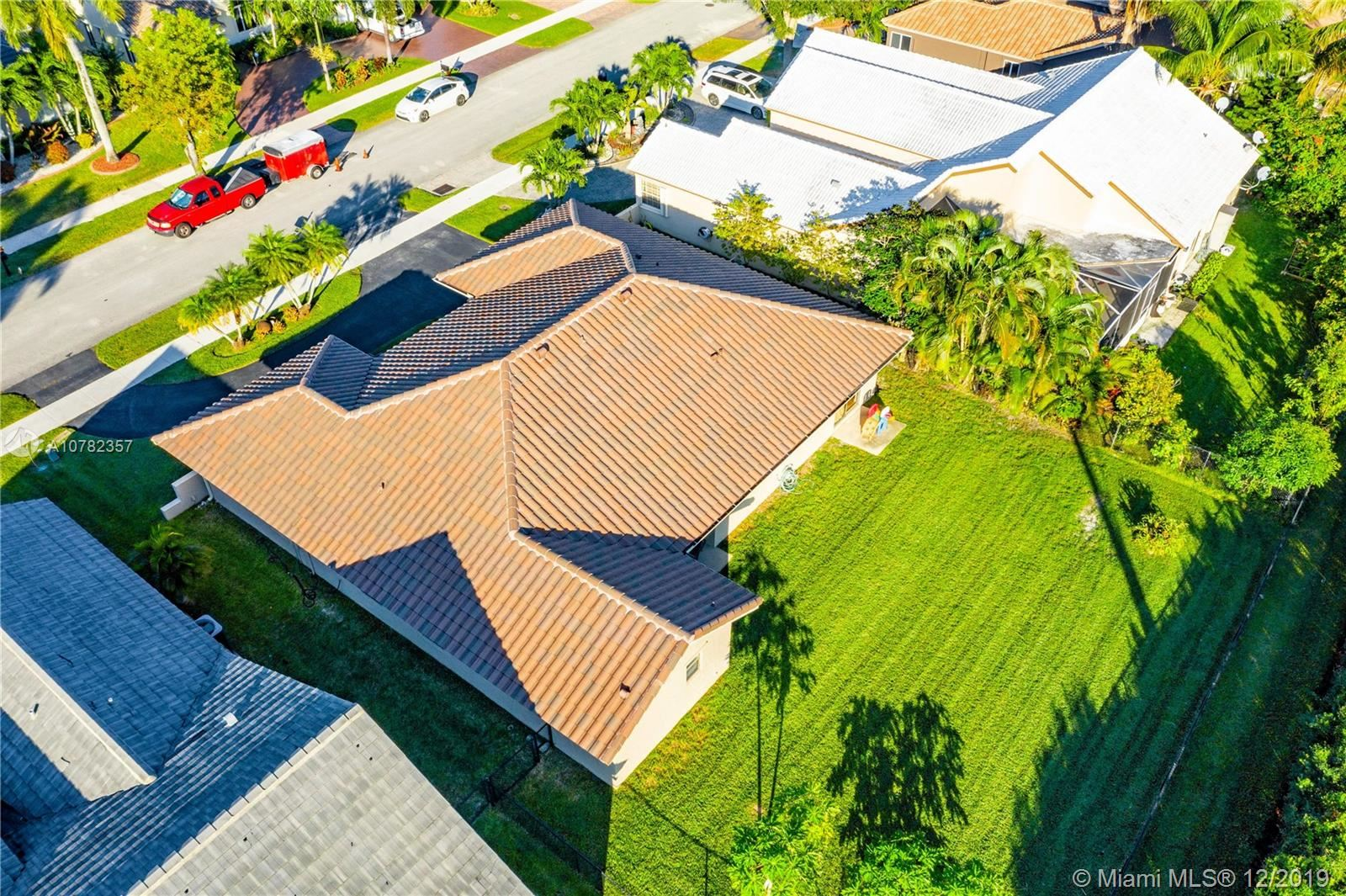 Photo of 9070 S Southern Orchard Rd S, Davie, FL 33328 (MLS # A10782357)