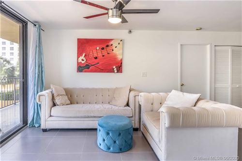 Foto de inmueble con direccion 290 174th St #407 Sunny Isles Beach FL 33160 con MLS A10872358