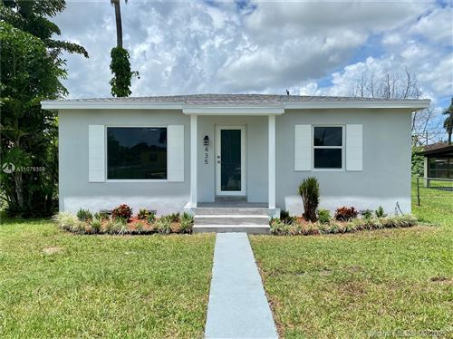 Photo of 435 NW 6th St, Homestead, FL 33030 (MLS # A11079359)