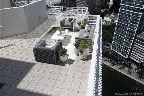 Photo of 801 Brickell Key Blvd #PH3304, Miami, FL 33131 (MLS # A10919360)