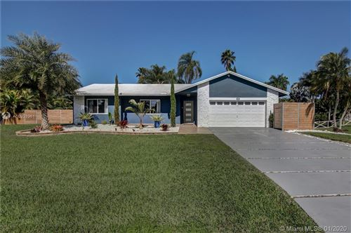 Photo of 20301 SW 48th Street, Southwest Ranches, FL 33332 (MLS # A10803361)