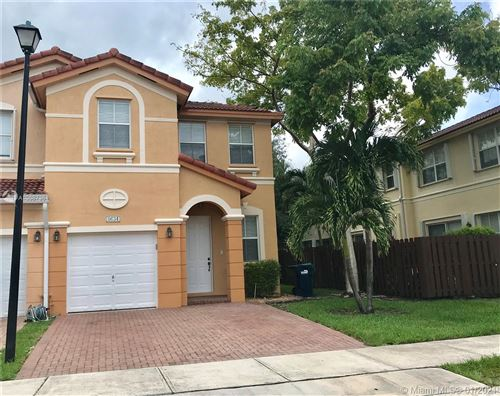 Photo of 8634 NW 112th Pl, Doral, FL 33178 (MLS # A10987361)