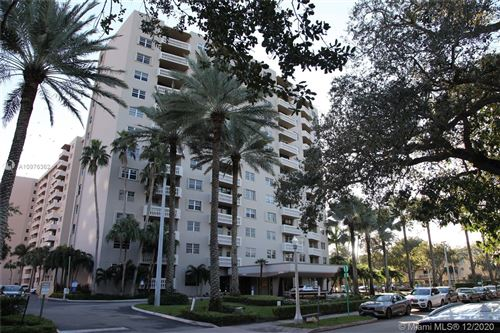 Photo of 90 Edgewater Dr #407, Coral Gables, FL 33133 (MLS # A10976362)