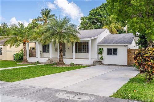 Photo of 6338 SW 37th St, Miami, FL 33155 (MLS # A10868363)