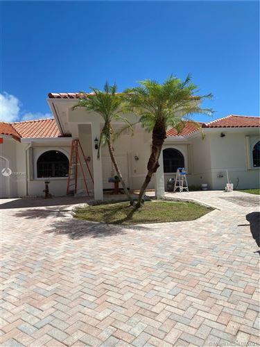 Photo of 8285 SW 174th Ter, Palmetto Bay, FL 33157 (MLS # A11067363)