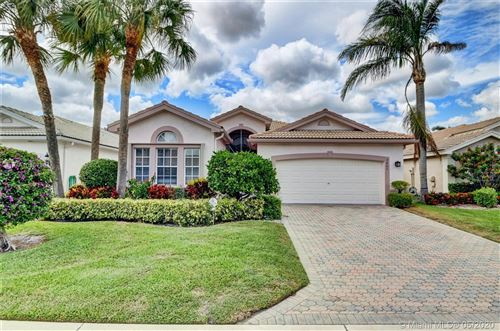 Photo of Listing MLS a10857364 in 7482 Morocca Lake Dr Delray Beach FL 33446