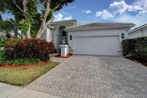 Photo of 5712 E Regency Cir E, Boca Raton, FL 33496 (MLS # A11070365)