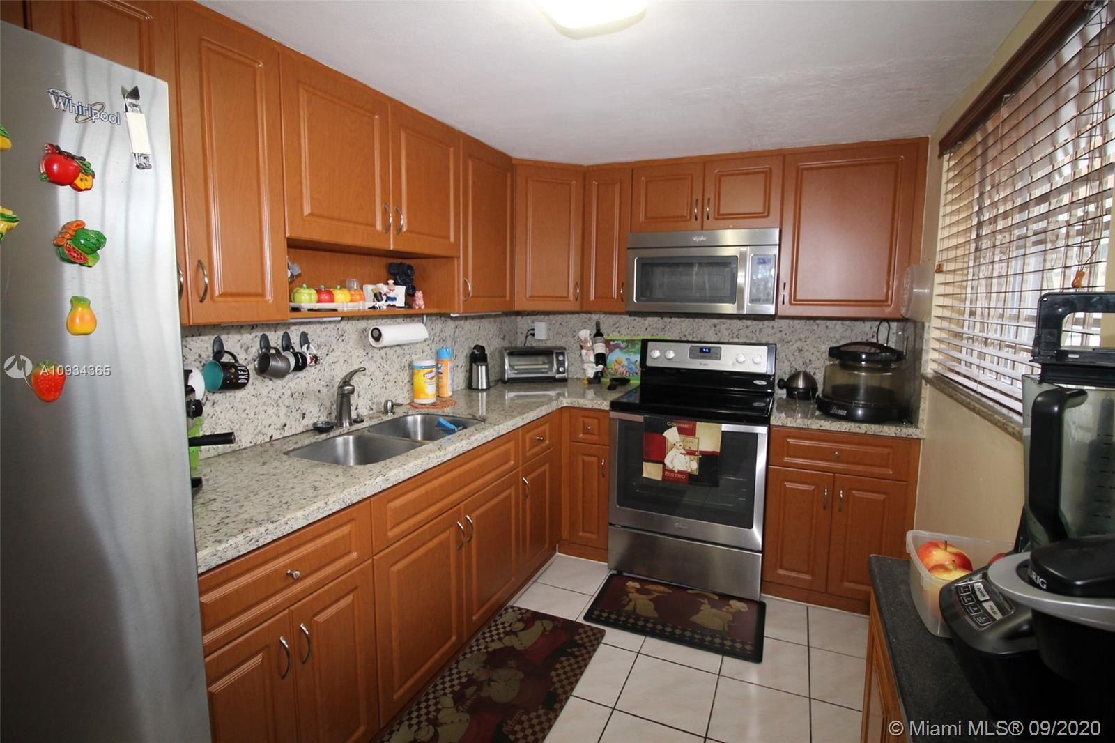 502 NW 87th Ave #111, Miami, FL 33172 - #: A10934365