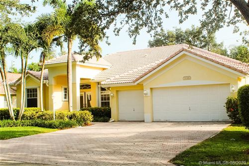 Photo of Listing MLS a10895367 in 16261 Oneida Pl Davie FL 33331