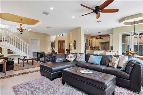 Foto de inmueble con direccion 2071 NW 99th Terrace Pembroke Pines FL 33024 con MLS A10861368