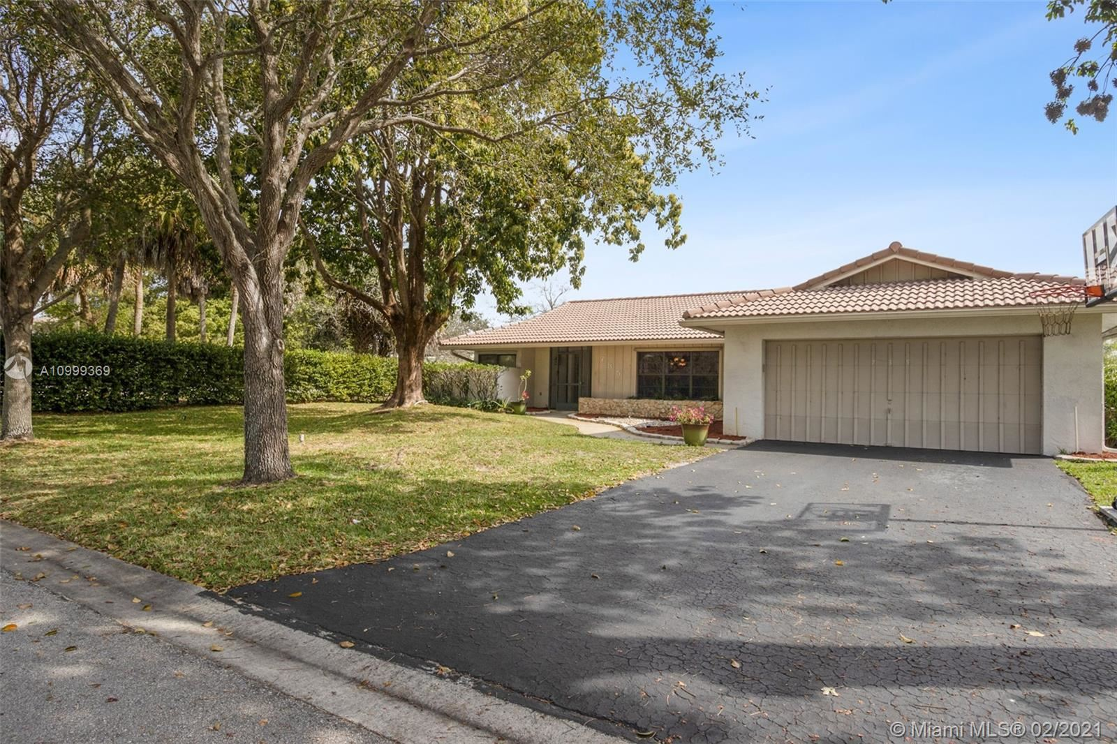 735 NW 99th Ter, Coral Springs, FL 33071 - #: A10999369