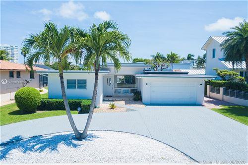 Photo of 1880 NE 124th St, North Miami, FL 33181 (MLS # A10874370)