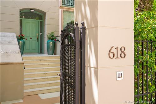 Photo of 618 Valencia Ave #101, Coral Gables, FL 33134 (MLS # A10727372)