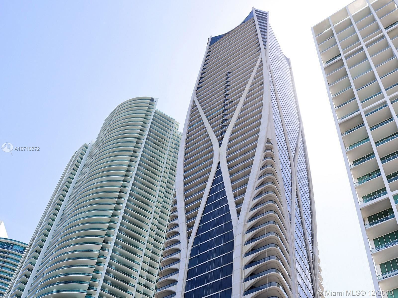 Photo 1 of Listing MLS a10719372 in 1000 Biscayne Blvd #5901 Miami FL 33132