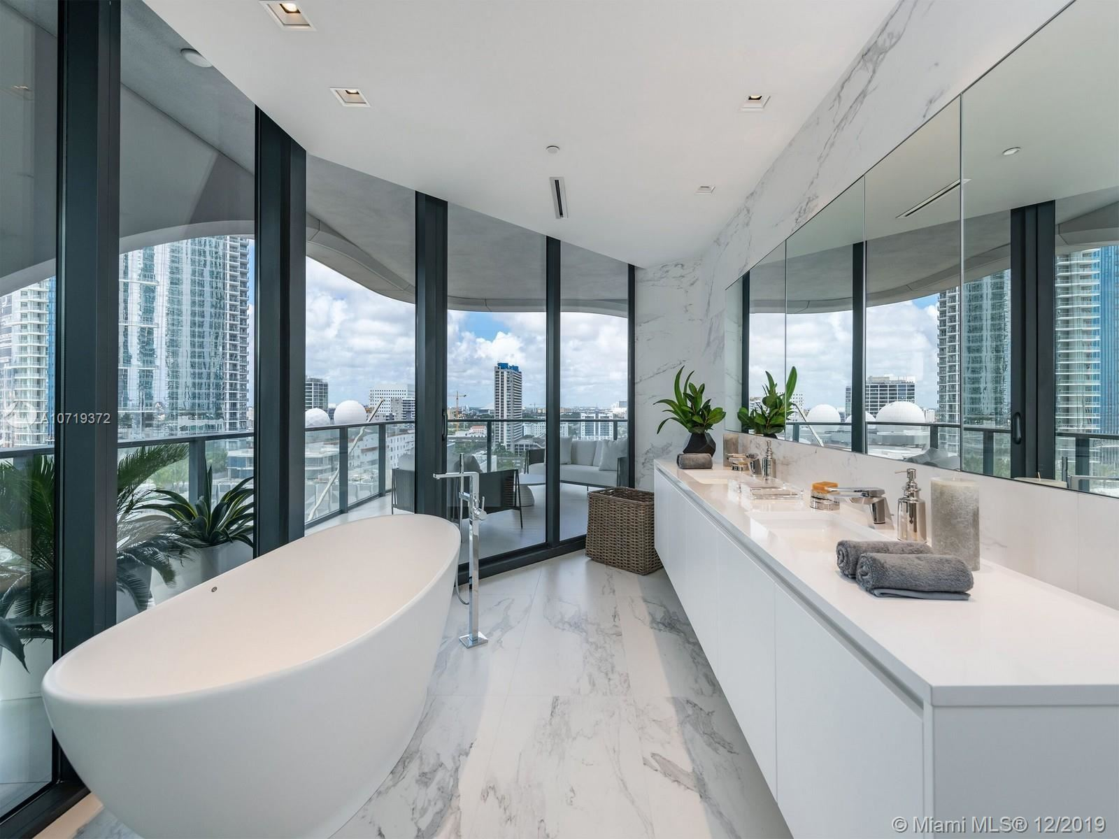 Photo 10 of Listing MLS a10719372 in 1000 Biscayne Blvd #5901 Miami FL 33132