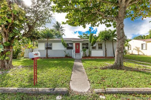Photo of Listing MLS a10795373 in 142 NW 147th St Miami FL 33168