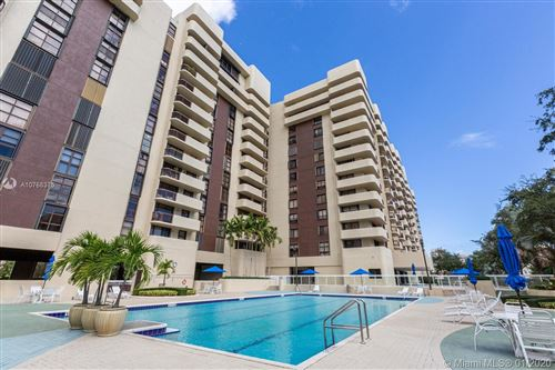 Photo of Listing MLS a10768375 in 600 Biltmore Way #404 Coral Gables FL 33134