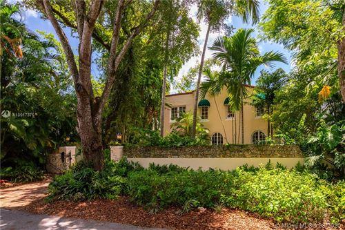 Foto de inmueble con direccion 4040 Ensenada Ave Coconut Grove FL 33133 con MLS A10917375