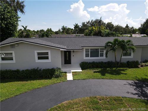 Photo of 7430 SW 172nd St, Palmetto Bay, FL 33157 (MLS # A10934375)